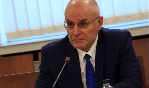 Управителят на БНБ: Възможно е влошаване на икономическата криза