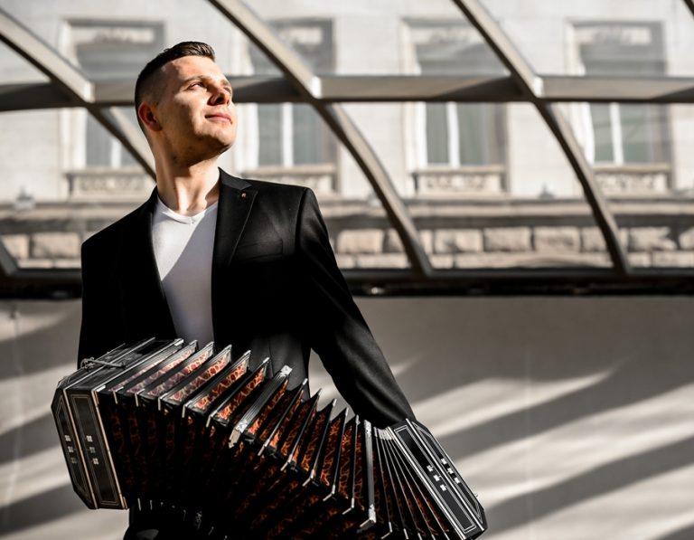 """Страстта и романтиката на аржентинското танго идват с първия концерт на """"Златната Диана"""" 2021"""