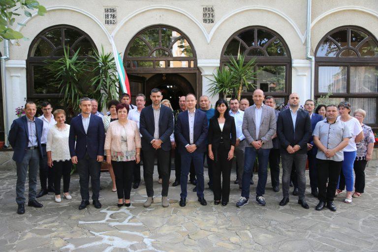 """Коалицията """"ГЕРБ – СДС"""" откри предизборната кампания в Ямбол и призова за ред в хаоса"""