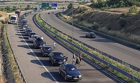 Транспортният министър сезира ЕК за тапите по границите