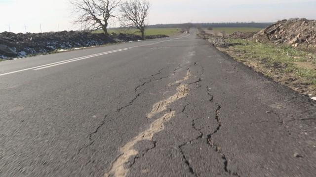 Служебното правителство спря и в област Ямбол всички текущи пътни ремонти, твърдят от ГЕРБ