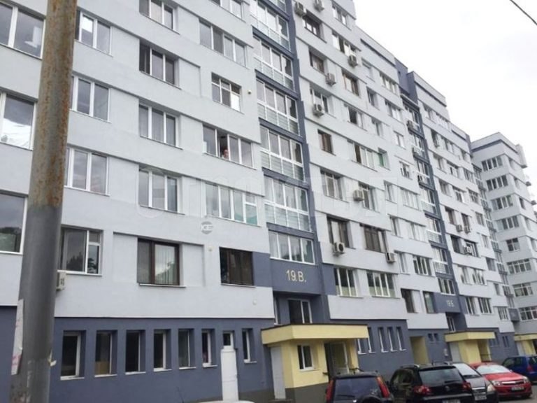 В Ямбол отчитат плюсовете от програмата за саниране, 38 блока чакат възобновяването ѝ