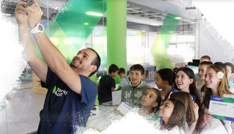 Безплатно IT обучение за деца в Ямбол предлага Училищната Телерик Академия