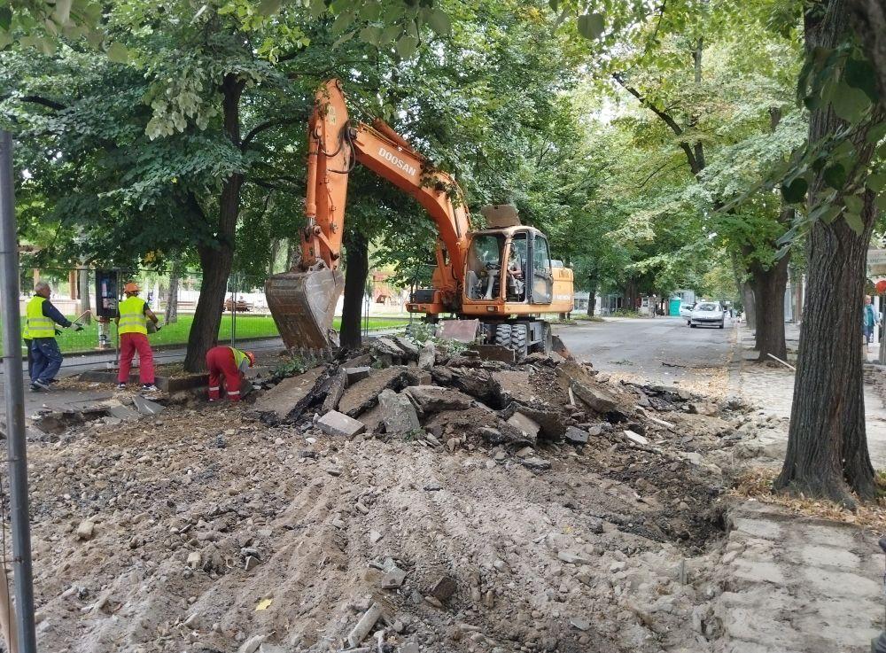 багер ямбол начало на ремонт на ул. Търговска