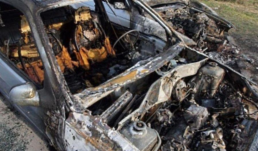 запален автомобил БМВ в Ямбол